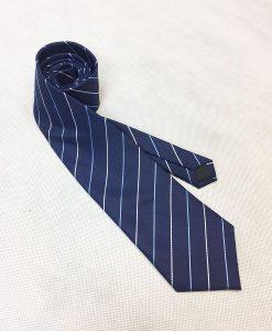 Corbata rayas.